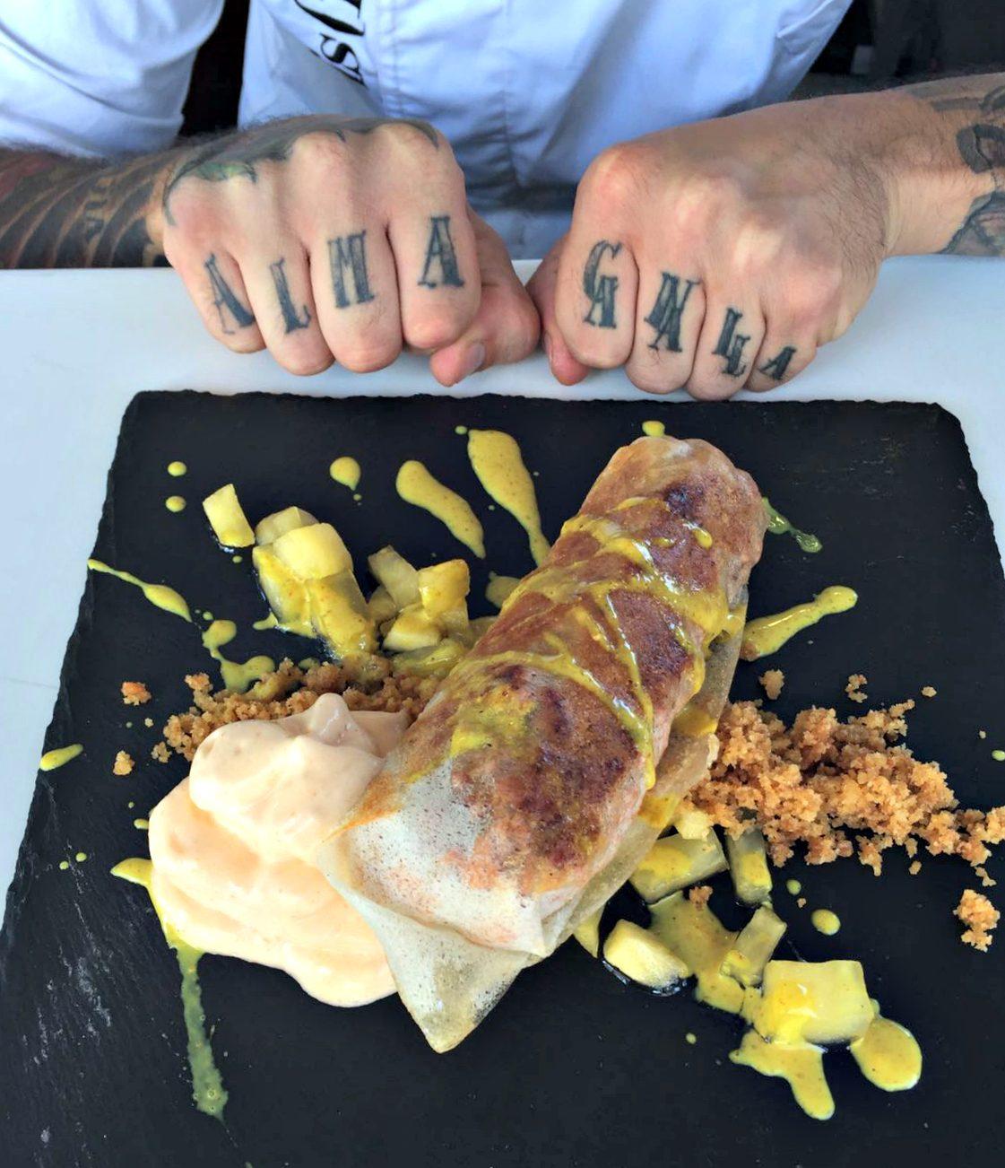 El canelón que Oscar Torrens cocinó en el showcooking de Balearia
