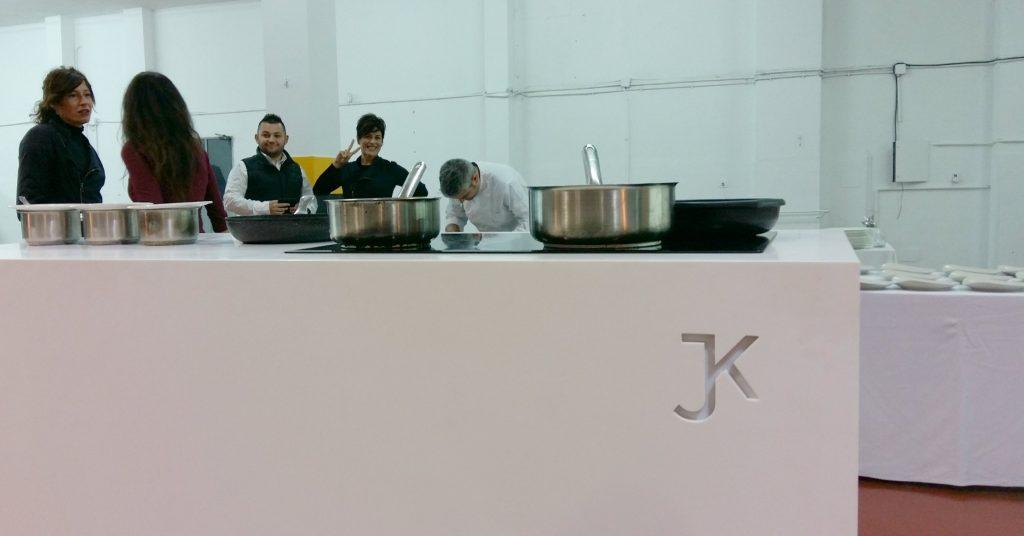 La cocina portátil de Jaiak en la que cocinó Miquel Sánchez