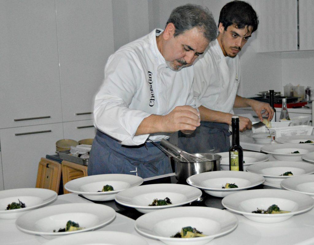 Benet Vicens termina uno de los platos