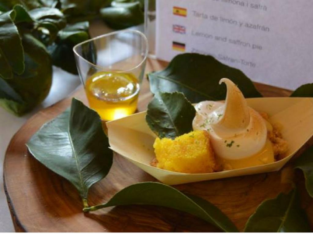 Tarta de limón y azafrán