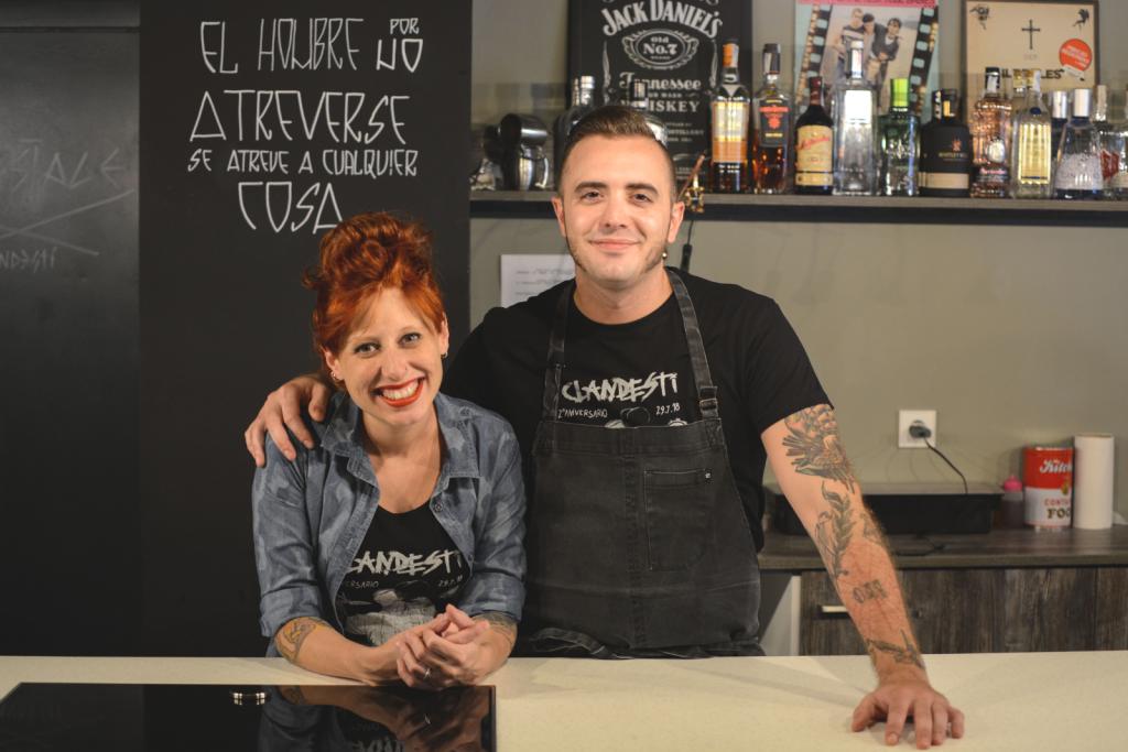 Pau Navarro y Ariadna Salvador, de Clandesti
